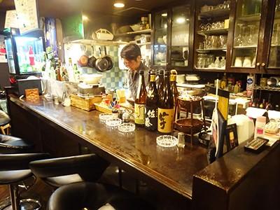 温かいお料理とお酒で楽しく飲める空間を提供