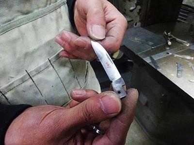 ステンレス板を切り抜いただけの刃